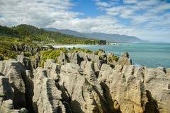 Rochas da panqueca de Punakaiki no parque nacional de Paparoa na costa oeste imagens de stock royalty free