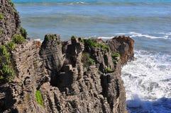 Rochas da panqueca, Punakaiki, Nova Zelândia Imagens de Stock Royalty Free