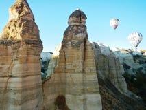 Rochas das chaminés de Cappadocia Imagens de Stock