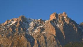 Rochas das montanhas crimeanas Montanha de Ai-Petri vídeos de arquivo