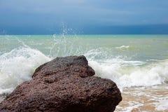 rochas das ondas das separações foto de stock