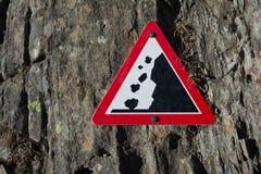 Rochas de Allention - sinal de aviso imagens de stock