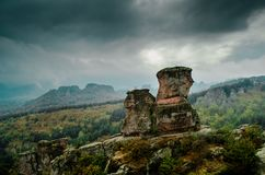 Rochas de Belogradchik na névoa Imagem de Stock Royalty Free