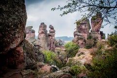 Rochas de Belogradchik na névoa Imagens de Stock