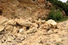 Rochas de queda do perigo na Creta, Grécia, Europa fotos de stock