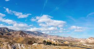 Rochas do mórmon no timelapse de San Bernardino Mountains vídeos de arquivo
