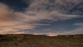 Rochas e aviões do deserto na noite filme