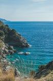 Rochas e lagoa natural bonita, mar Mediterrâneo, Turquia fotos de stock royalty free