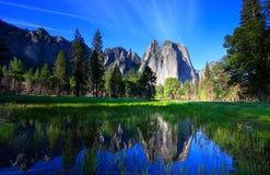 Rochas e reflexão de Yosemite Fotografia de Stock Royalty Free