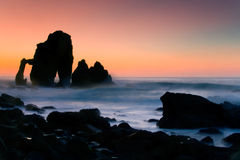 Rochas em San Juan de Gaztelugatxe Imagem de Stock