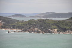 Rochas em uma praia no paraíso foto de stock royalty free