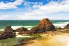Rochas Intertidal na praia da rocha do selo fotos de stock