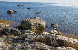 Rochas na costa do oceano Imagens de Stock