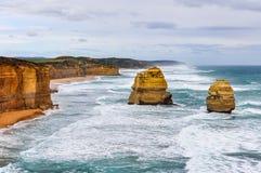 Rochas na grande estrada do oceano, Austrália foto de stock