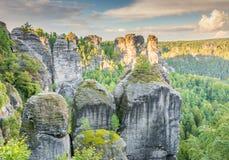 Rochas nas montanhas do arenito de Elbe Imagens de Stock Royalty Free