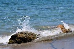Rochas no mar das caraíbas Fotos de Stock Royalty Free