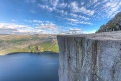 Roche célèbre de pupitre en Norvège Images libres de droits