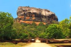 Roche célèbre de Sigiriya. Le Sri Lanka Image stock
