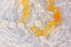 Roche citrine et en cristal Photographie stock libre de droits