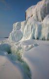 Roche couverte de la glace image libre de droits
