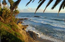 Roche d'oiseau outre de Laguna Beach de parc de Heisler, CA Images libres de droits