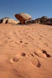Roche dans le désert de rhum de Wadi Images libres de droits
