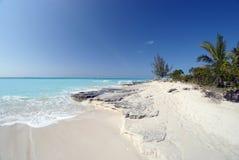 Roche de chaux sur la plage Images libres de droits