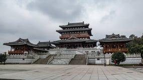 Roche de Dazu découpant le musée, style architectural chinois de dynastie de chanson photographie stock libre de droits