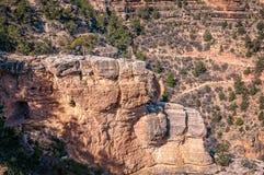 Roche de fenêtre du ` s d'ange sur Angel Trail intelligent dans Grand Canyon Images libres de droits