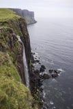 Roche de kilt et cascade à écriture ligne par ligne, Skye, Ecosse Photo libre de droits