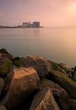 Roche de la mer avant le paysage Photos libres de droits