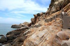 Roche de récif dans la côte de l'île de Meizhou Photo libre de droits