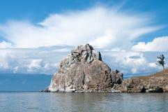 Roche de Shamanka - cap Burkhan, Baikal Photos stock