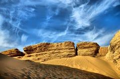 Roche et désert jaunes Photos stock