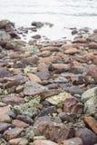 Roche et rivière Photographie stock libre de droits