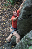 Roche-grimpeur. Photo libre de droits