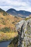 Roche principale indienne dans les montagnes d'Adirondack Photos stock