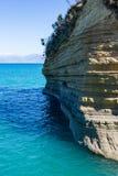 Roche segmentée de mer près de Sidari, Corfou, Grèce Photos libres de droits