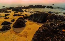 Roche sur la plage Image stock