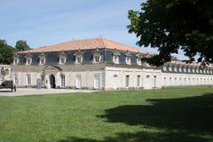 Rochefort Nouvelle Aquitaine/Frankrike - 06 25 2018: Rochefort 374 meter av Corderien Royale arkivfoton