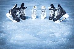 Rochen für Wintersport im Freien auf dem Eis Lizenzfreie Stockfotografie