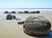 Rochers de Moeraki, Nouvelle Zélande Image libre de droits