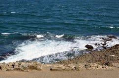 Roches au bord de la mer Photos stock