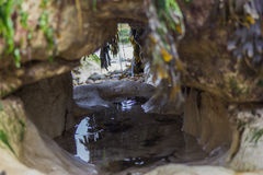 Roches avec de l'eau photo libre de droits