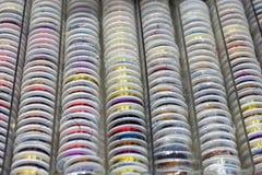 Roches avec piquer coloré pour le clother, coudre et raccommoder Photographie stock libre de droits