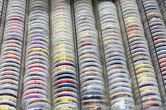 Roches avec piquer coloré pour le clother, coudre et raccommoder Image libre de droits