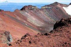 Roches congelées rouges de lave de cratère de volcan Photo libre de droits