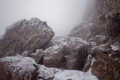 roches couvertes de neige Photos libres de droits