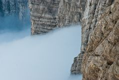 Roches d'inversion Alpes juliennes Image stock