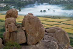 Roches dans Hampi Images stock